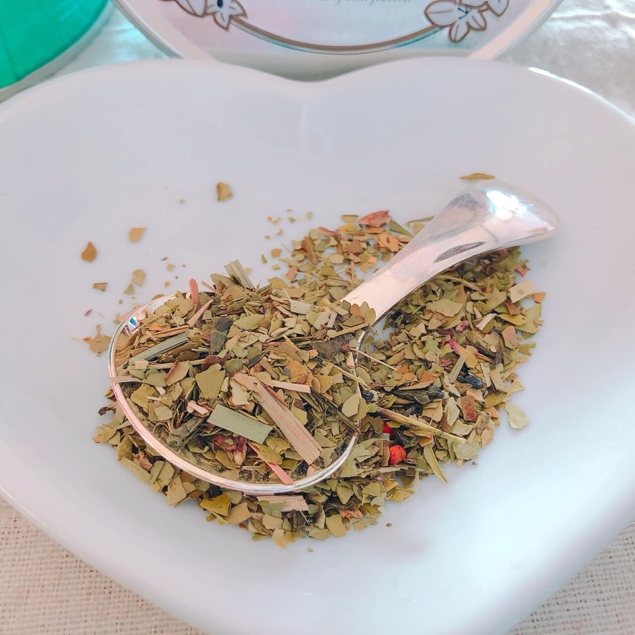 クスミティーエクスピュアオリジナル茶葉の写真。