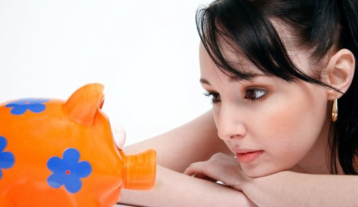 「投資信託は、投資のプロが運用するから初心者でも安心」は本当か。
